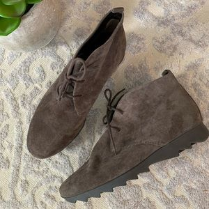 Gabor lace up suede ankle boots brown